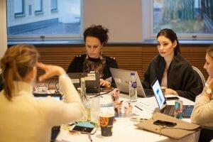 Vid ett av deltagarnas bord