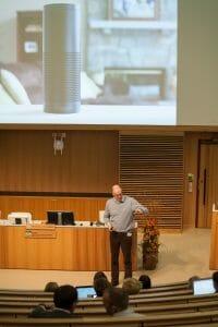 Hans van den Brink om röststyrda prylar